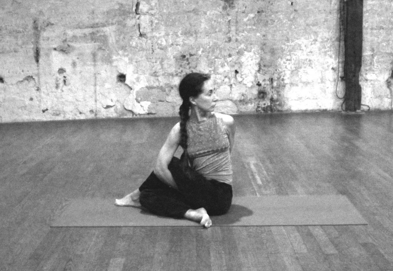 Ardha Matsyendrasana, La Demi-Torsion vertébrale